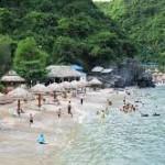 Các bãi tắm ở đảo Cát Bà