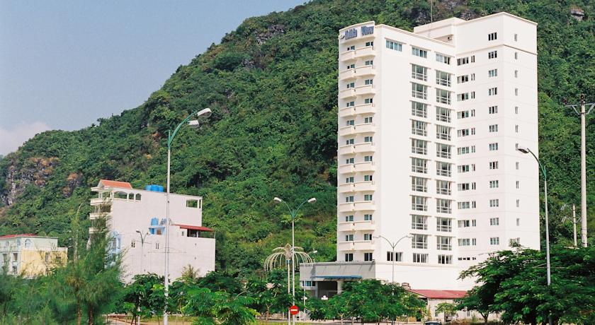 Holiday View - Khách sạn 3 sao đầu tiên ở Cát Bà