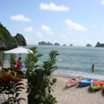 Thiên đường bãi biển trên đảo Cát Bà