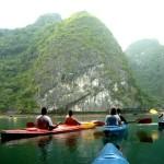 Trải nghiệm thú vị: Chèo thuyền kayak khám phá Vịnh Lan Hạ