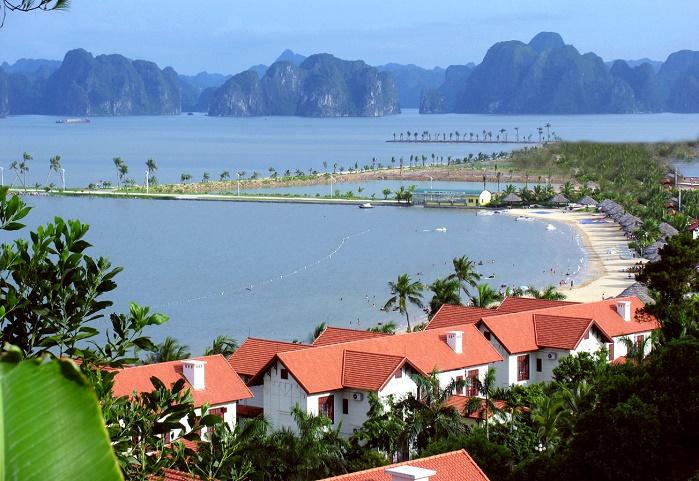 Một góc nhìn bãi tắm Tuần Châu