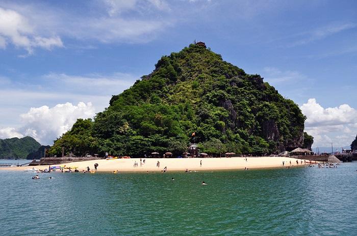 Vẻ đẹp toàn cảnh của Đảo Titop