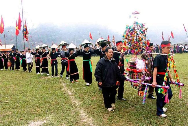 Lễ hội xuống đồng của người dân tộc Tày
