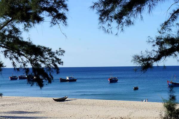 Biển Bảo Ninh vô cùng giản dị và yên bình