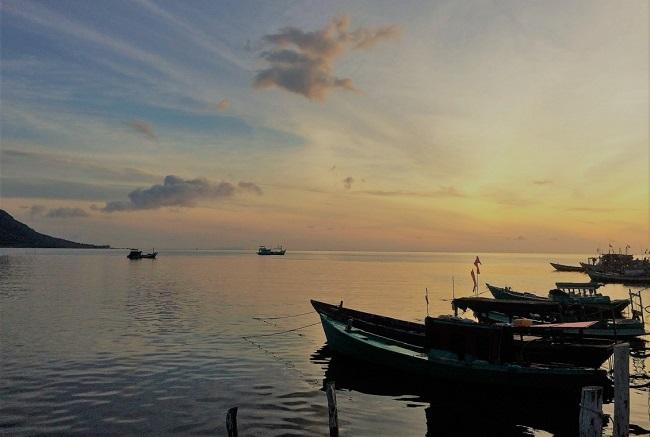 Ngắm bình minh bên làng chài Hàm Ninh để thấy bình minh đẹp nhường nào
